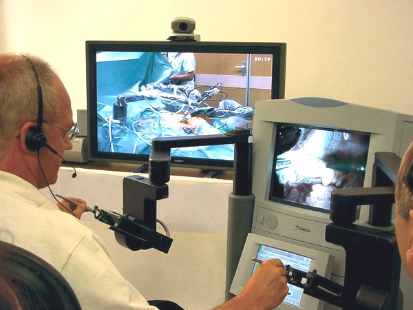 telesurgery (chirurgia a distanza)